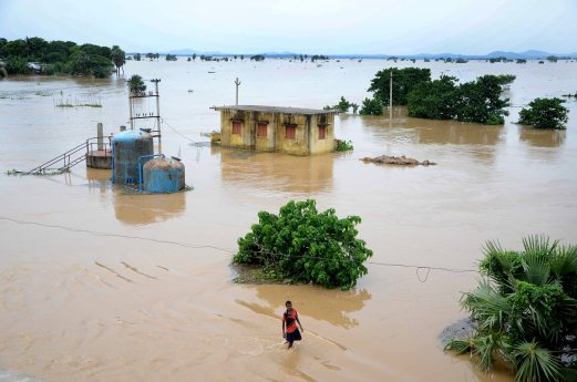 INDIA-WEATHER-FLOODS-FILES