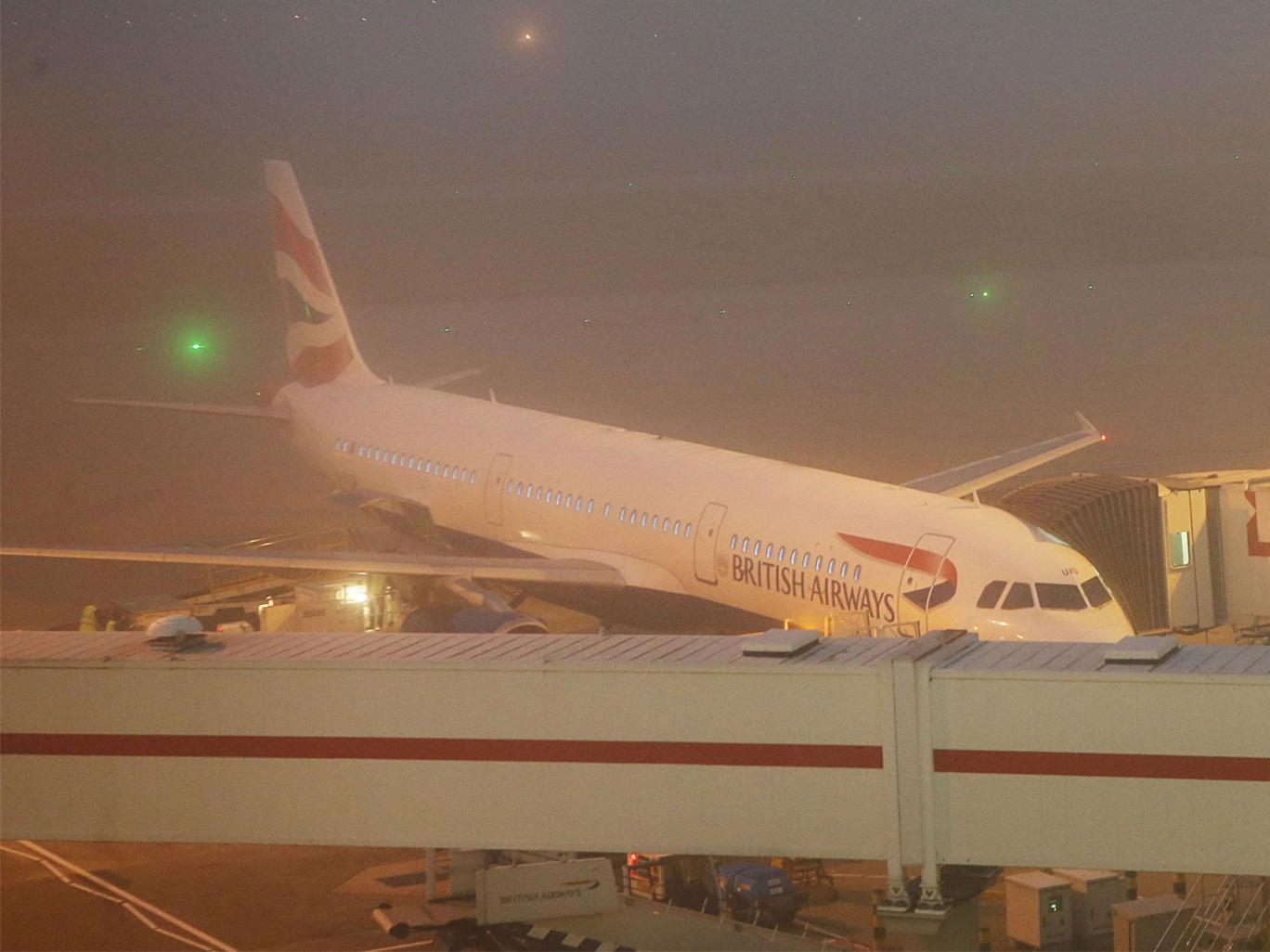 heathrow-fog-2-PA