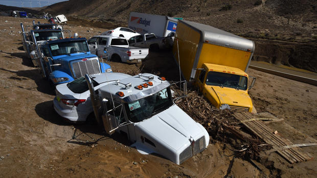 US-DISASTER-MUDSLIDE-HIGHWAY