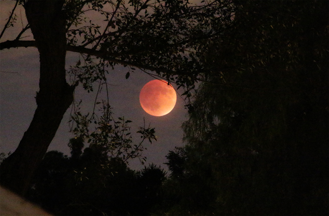 supermoon-eclipse-01-150928
